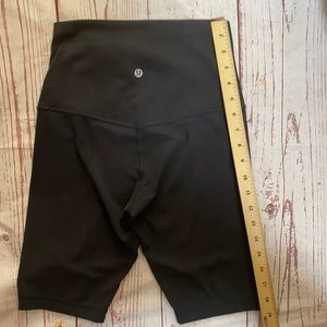 Lululemon shorts 5 inch high waist small